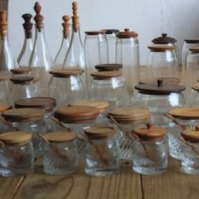 西山芳浩さんのガラスに木の蓋