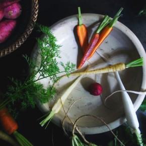 11月22日開催・色鮮やかな、初冬の野菜を盛りつける